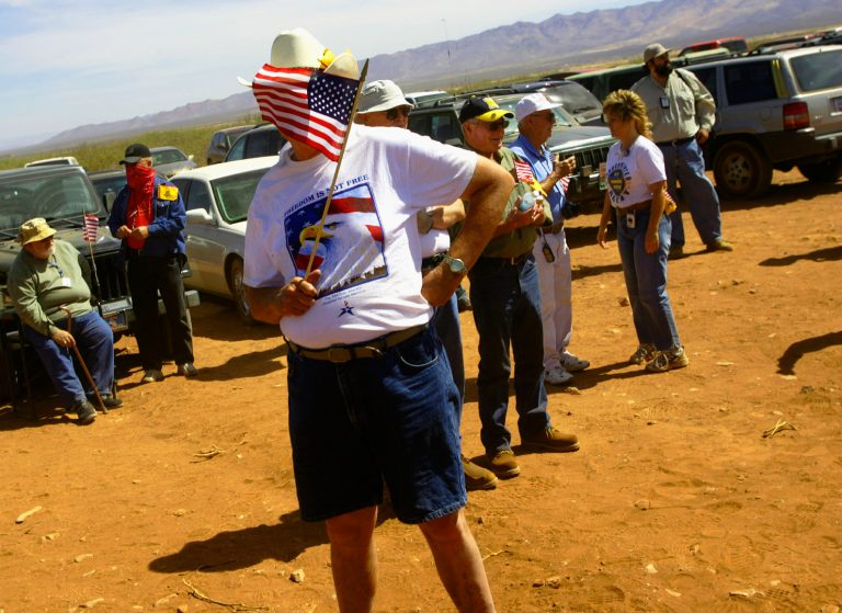 Minutemen: America's Citizen Border WatchersPalominas, Arizona  May 27, 2006Minutemen prepare for a rally near Palominas Arizona on the Memorial Day Weekend. Later in the day some volunteered to help build a fence on the ranchers property.